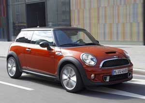 Mini Cooper S Great Speed And Driving Features In A Small Package