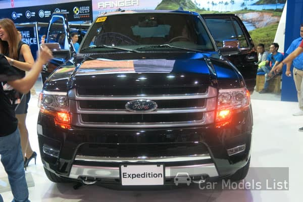 Ford Expedition Front View