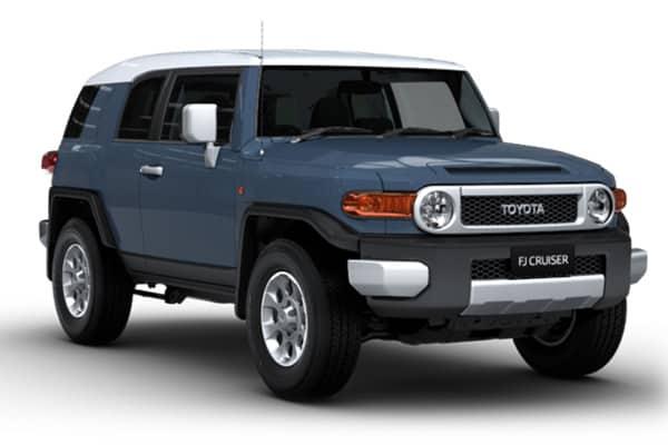 Toyota FJ Cruiser front medium view