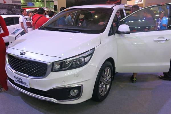Kia Carnival car model