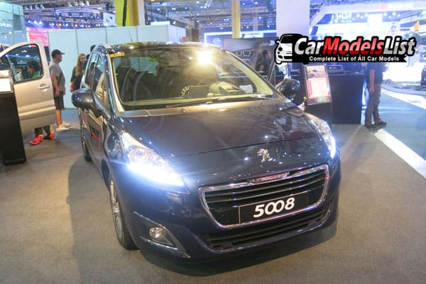 Peugeot 5008 car model