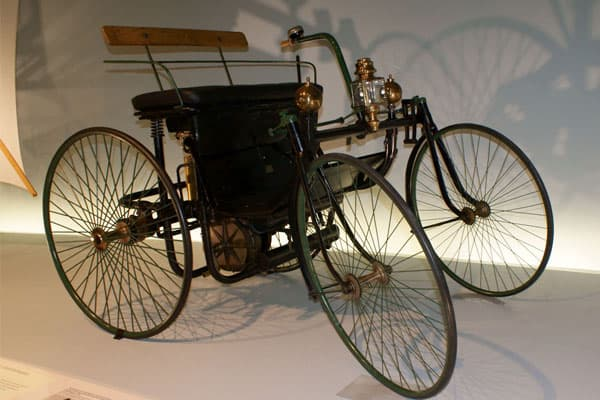 1889 Daimler-Maybach Stahlradwagen car model