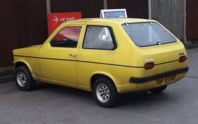 Reliant Kitten saloon
