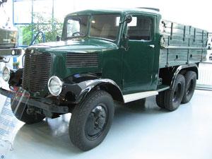Tatra T93
