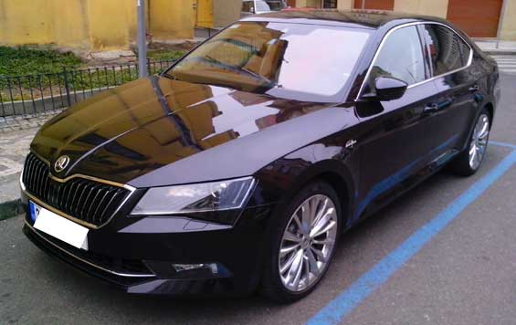 Skoda Superb car model