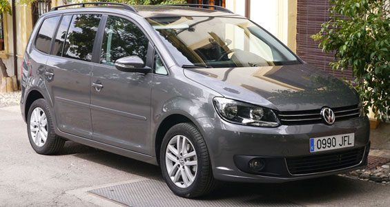 Volkswagen Tourancar model review