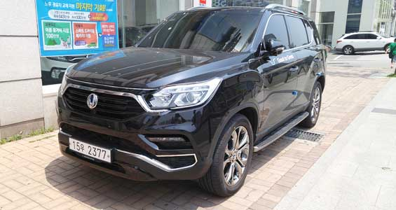 SsangYong Rexton car model