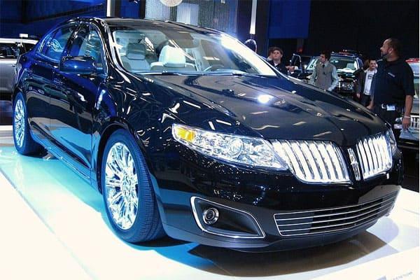 Lincoln MKS Car Model