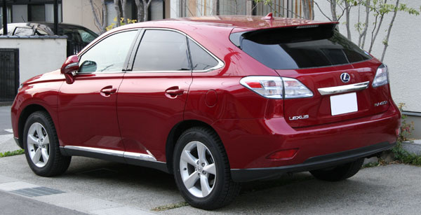Lexus RX 450h rear view
