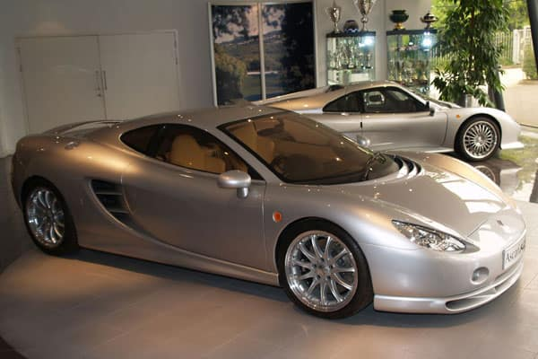 Ascari KZ1 and Ecosse car model