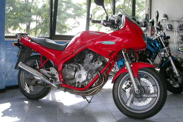 Yamaha XJ Diversion Motorcycle Model