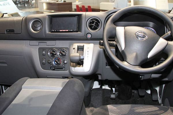 Nissan NV350 Caravan car model interior