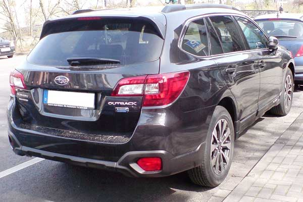 Subaru Outback rear view car model review