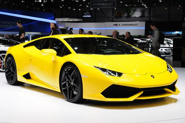 lamborghini huracan car model review