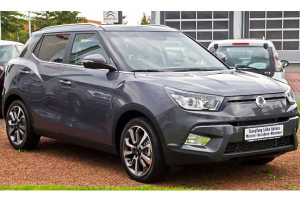 ssangyong tivoli car model review