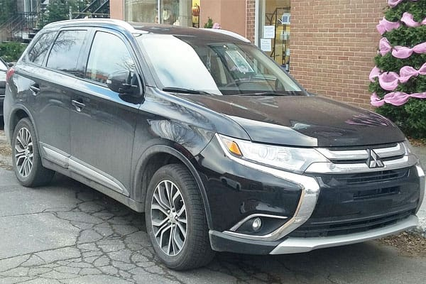 Mitsubishi Outlander car model facelift