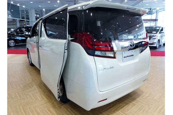 Toyota ALPHARD X 2WD rear car model