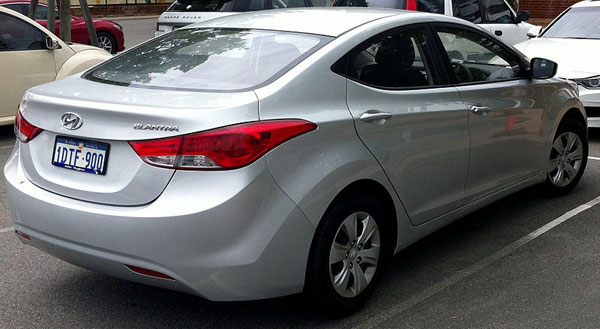 Hyundai Elantra sedan car review