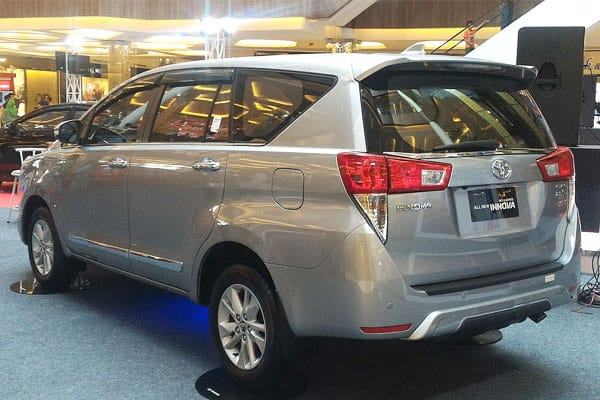 toyota innova model review