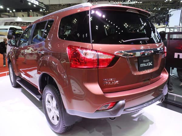 isuzu mux rear view car model review