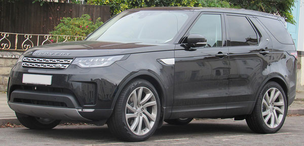 Land Rover Discovery Quarter Front View