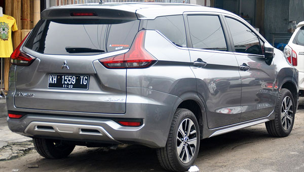 Mitsubishi Xpander rear view