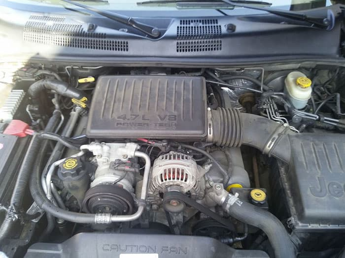 Jeep Grand Cherokee engine