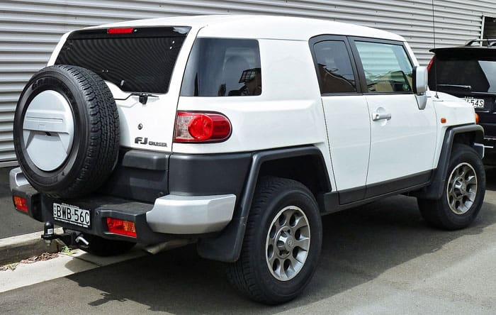 fj cruiser car model rear