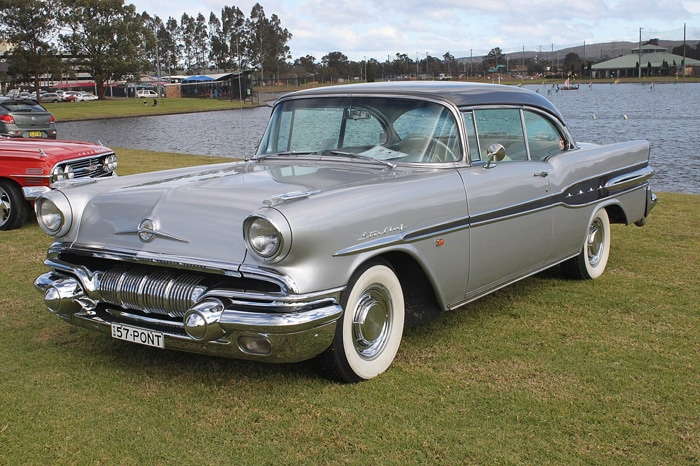 Pontiac Star Chief 1955